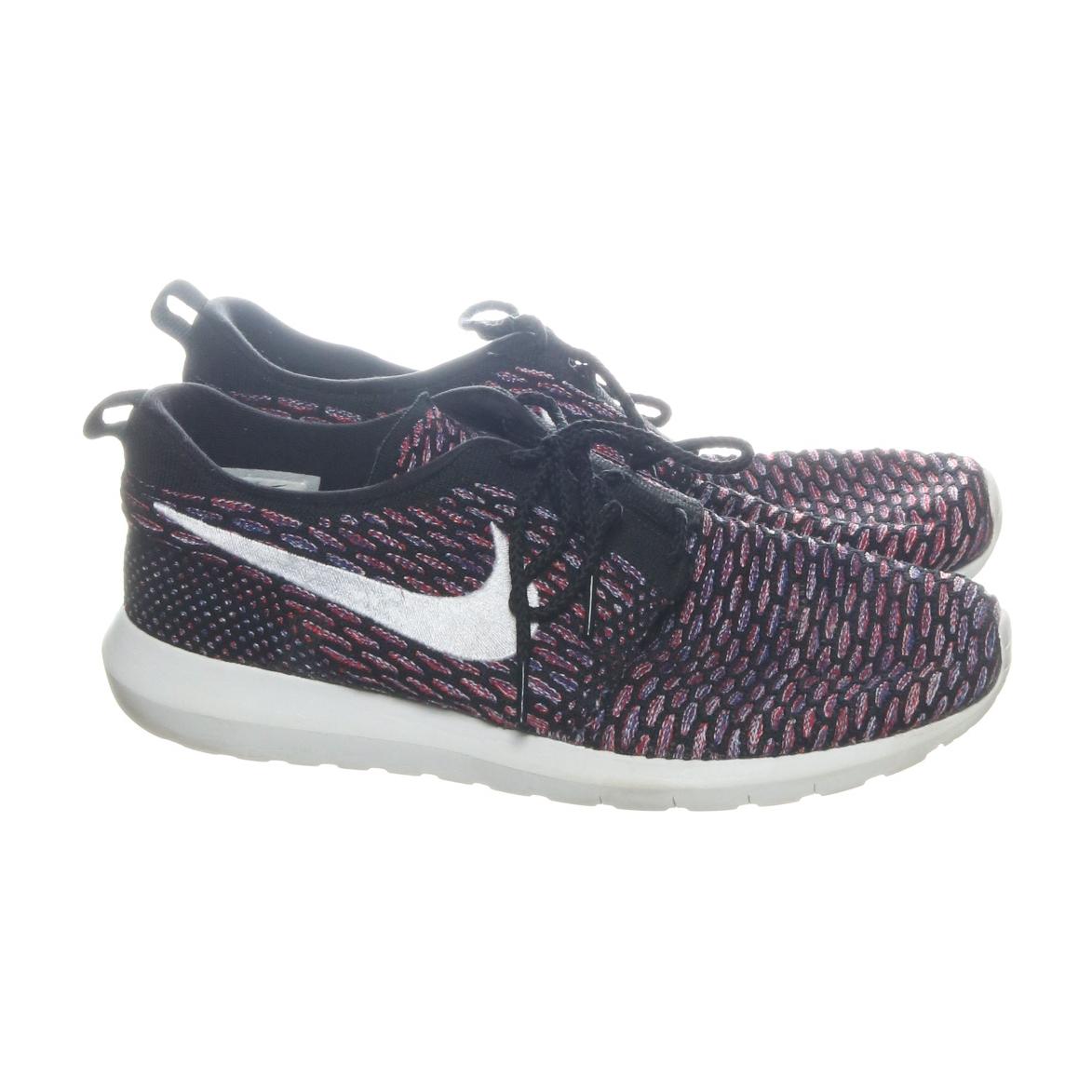 half off 6344c a7946 Sneakers (Svart) från Nike   Sellpy.se